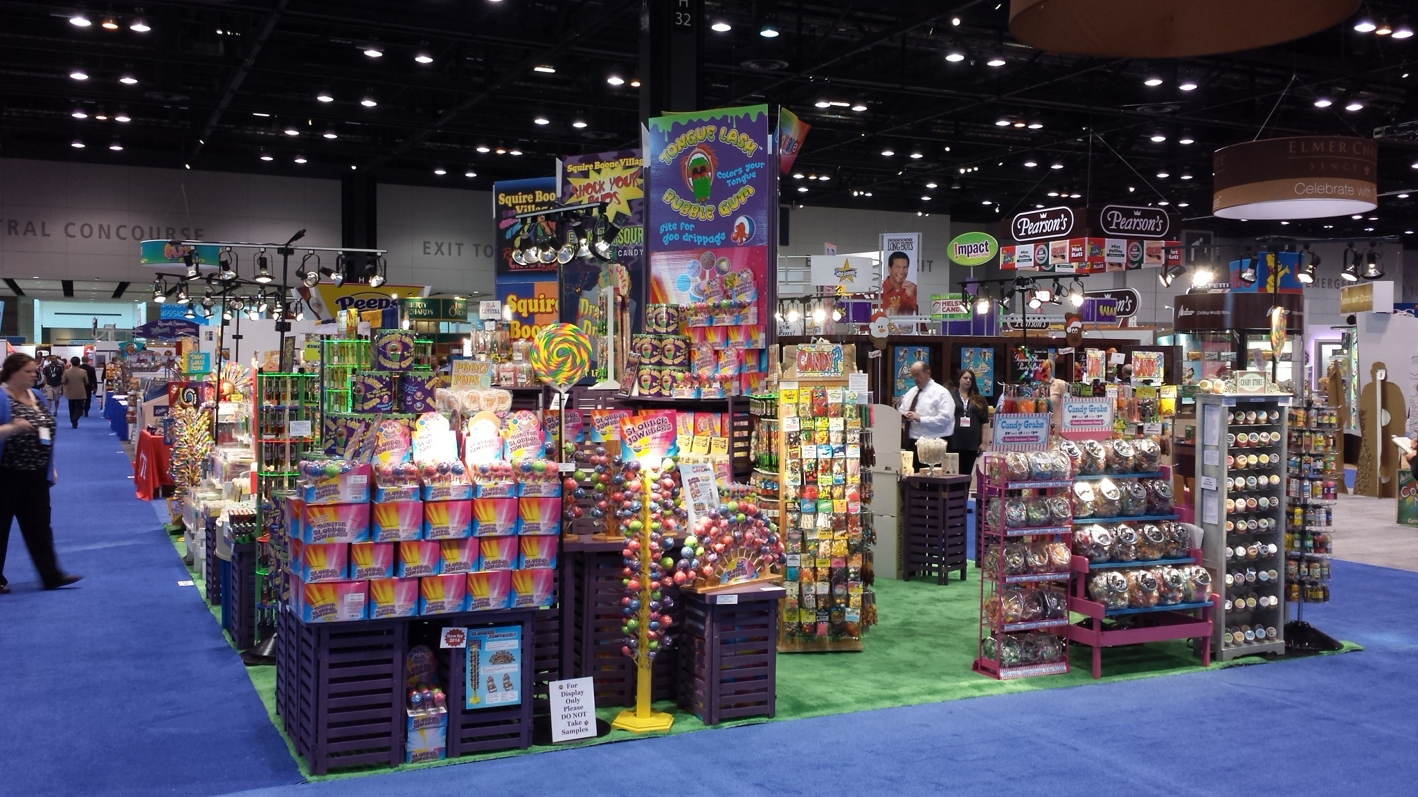 Squire boone village wholesale candy souvenirs jewelry for Craft supply trade shows